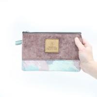 Trousse servant de pochette ou d'étui à crayon en tissu récupéré