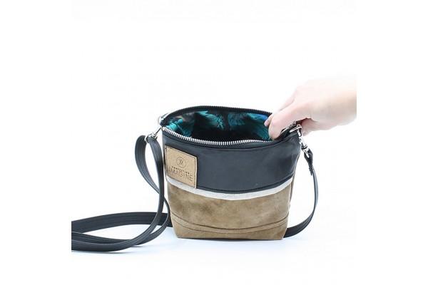 La Mini 24 - Petit sac à main léger en cuir et denim récupéré, pratique et tout-aller