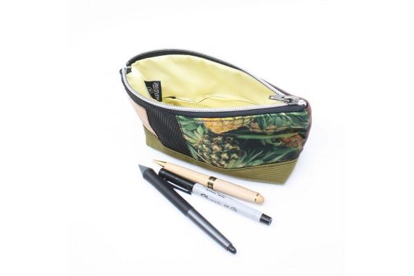 Étui à crayon en cuir et tissu recyclé avec motif ananas
