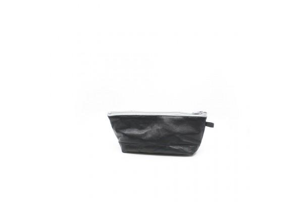 Étui à crayon en cuir noir et tissu recyclé