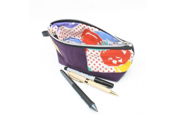 Étui à crayon en cuir et tissu recyclé et motif coloré